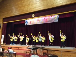 各学級 全校生徒21人の音楽 劇を通して児童の成長を見させていただきました   祖父母交流会も兼ねていて アットホームな学芸会でした