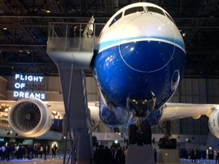 イト・オブ・ドリームズの内覧会です   場所は中部国際空港セントレアで ボーイング787初号機の展示をメインとした新複合商業施設です   航空について楽しく学べる体験型コンテンツやボーイング創業の街シアトルをテーマとした飲食・物販店を併設した世界的にも珍しい施設なんです   国際展示場やLCCターミナルも建設中で どんどん新しい施設が追加されていきます