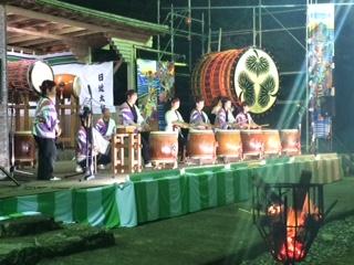 味噌六太鼓の体験打ちなど 元気あふれる演奏 パフォーマンスでした   大自然の中で響き渡る太鼓演奏に観客の皆さんも満足されている様子でした