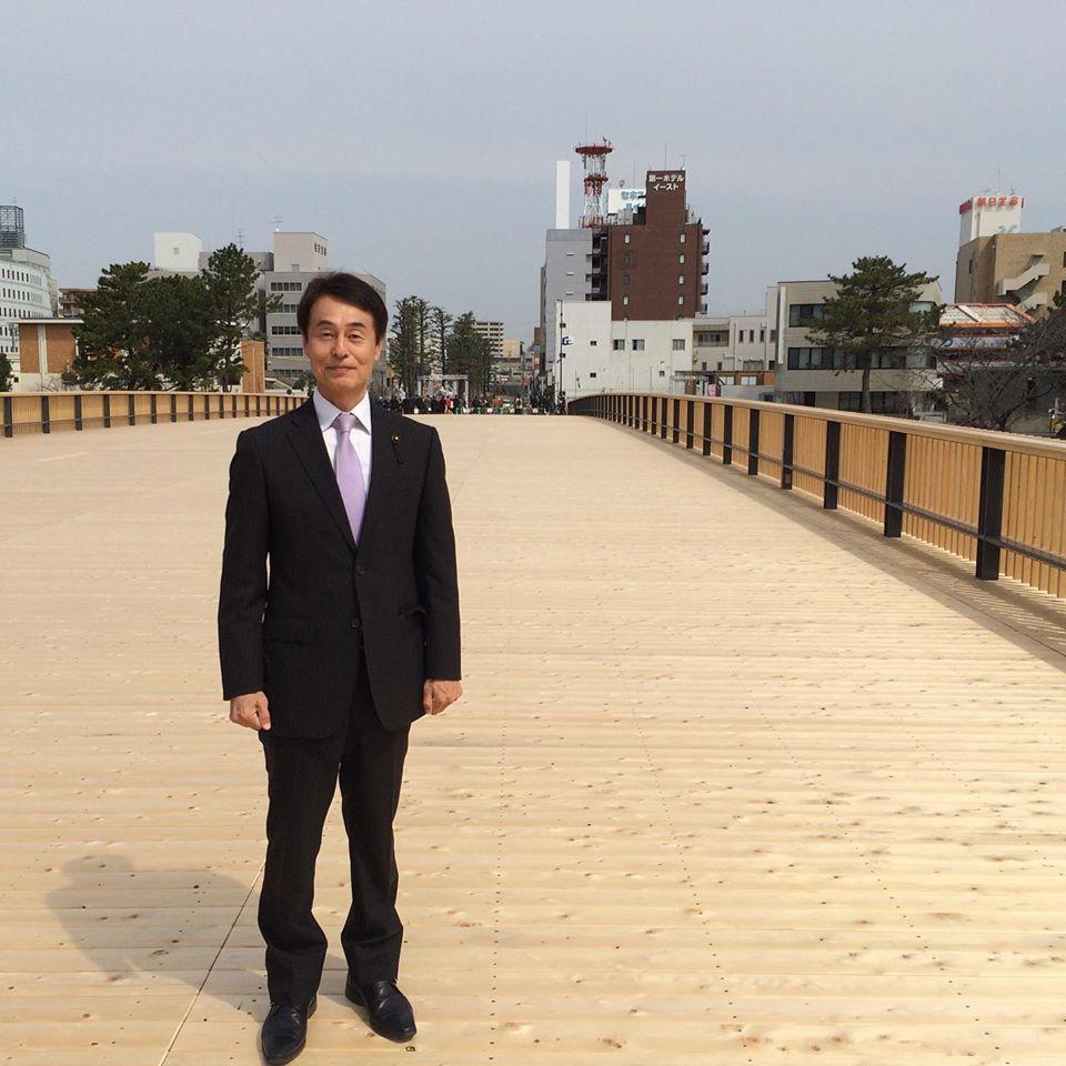 。 この上から、桜と岡崎城を一緒に見ることができ、新たな観光名所の一つになることを期待しています。 同時に、徳川四天王像の本多忠勝公と酒井忠次公の除幕も行われました。